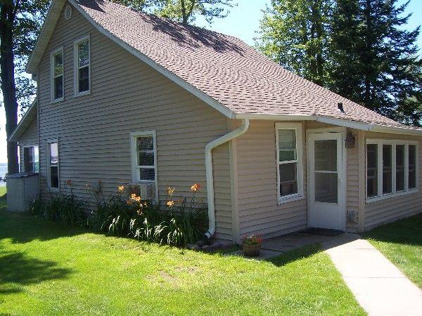 Beach House cottage yard and garden
