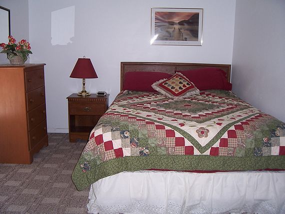 Boater's Cove cottage bedroom