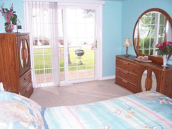 Captain's Quarters cottage bedroom