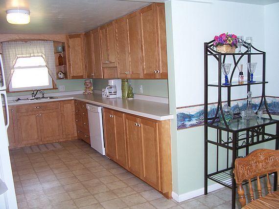 Captain's Quarters cottage kitchen