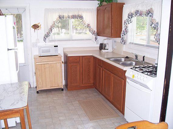 Fishing Hole Cottage kitchen