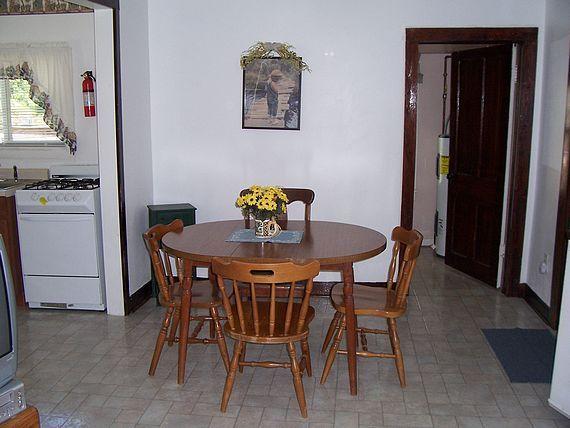 Fishing Hole Cottage dining room