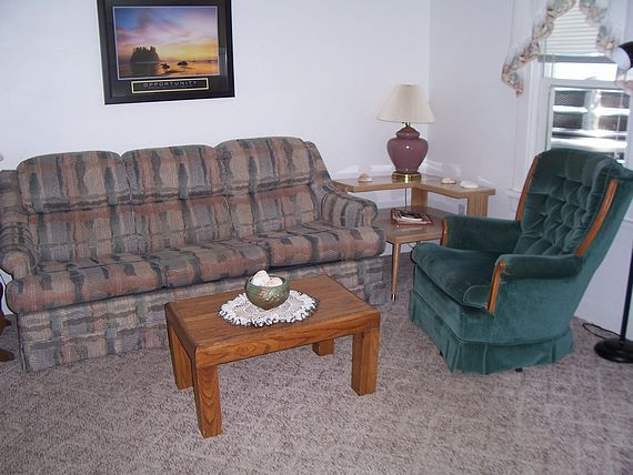 Sea Shell Inn Cottage sitting area