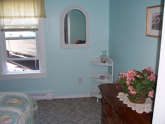 Sea Shell Inn Cottage bedroom